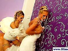 Le lesbiche Buco glorioso ottenendo di bukkake contemporaneamente