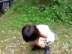 Aziatische tiener sex slaaf krijgt harige kut genageld upskirt