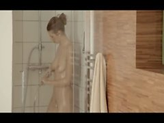 Erreicht Orgasmus dem süßen Dusch