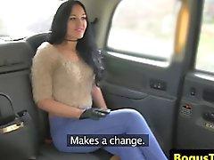 Britischen Taxi Baby geil abgefickt Fahrer anschließendem Cumshot