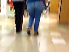 Big wide tail