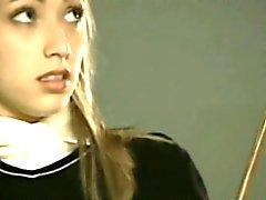 Splendida 18anni biondi della scolara sculacciate - FreeFetishTVcom