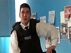Policial Inglês tesão adora brinquedos