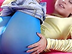 Playgirl mozzafiato fornisce una di guida selvatico manopola