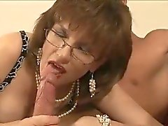 Dama inglesi ottiene facefucked