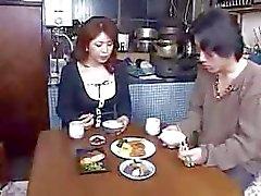 Japon Anne Ve Oğlu Değil