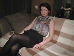 Den 25 året old Sonja första gången någonsin Videointervju samt berörings Onani