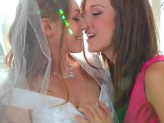 Aurielee Summers wedding day lesbian foursome