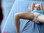 Гламурные Playgirl уделяет удар после получения дырки лизали