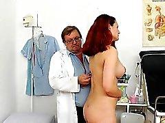 Ragazza sexy strippaggio