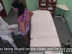Hemşiresi ile doktor lanet hasta