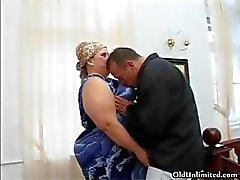 BBW dona de casa madura adora chupar part2 grande