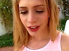 Di Beautifull teenager - cagna cumeating esterno