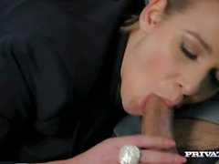 Alexis Crystal Pussy Banged dans la voiture