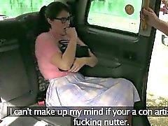 Cerrada imbecil pinto perfurado pelo do driver de fraudes no banco de trás