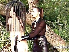 Für BDSM reizende Model Sie alle Fetisch Dingen geniessen
