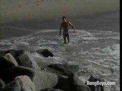 BeachBlanketBoner_scene1