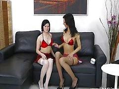 Kauwgom meisje diep anaal fisten