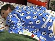 Gay видео Он Рождественское утро и Иордания Эштон просыпается и