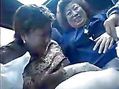 Granny asians au bus