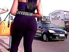 Con suocera di Latina con i culo grassoccio nei pantalone nero