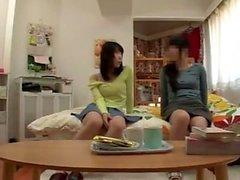 Japanska tonåring ger Handjob