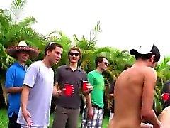 Черный каучуковый гей порно секс черная мужской Эй парней как дела этот пи