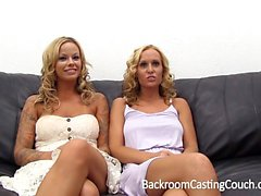 Rubias pechugonas audición del Casting Couch a Lesbianas Numeritos