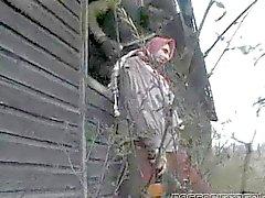 Morenaza follada por 2 soldados