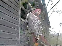 Brunette che scopata da due I soldati