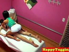 équitation et sucer masseuse asiatique gros seins