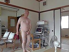 Japonca yaşlı adam mastürbasyon penis sperm akışını dimdik