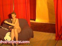 La entrevista desnuda Backstage con el del newbie checo