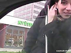 Сука СТОП - Тощие Словацкий ИФОМ становится анал и киски трахал