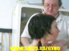 Sapık jinekolog sınav Young teen