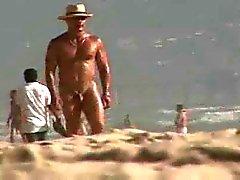 simpatico ritenuta alla fonte CPL gay accompagnamento up grande bellimbusto BLOCK in spiaggia nuda