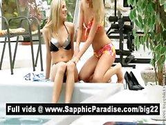 Горячая блондинка лесбиянки поцелуи и облизывая соски и имеющие лесбийский секс