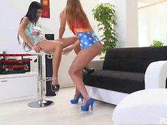 Die heißesten Teens im Netz Lady Dee und Alexis Kristall