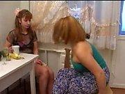 Rus anne ve 26 kız 17