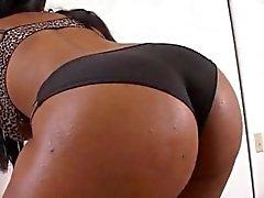 Inanılmaz Booty Siyah kız BBC alır