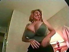 Grande Titted maduro de Patty abundancia Gets tostada Escupir