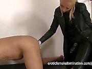 Slave matura diteggiatura da Mistress di Sarah