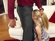Wütend Vater Fickt der Kleine Jugendlich Babysitter !