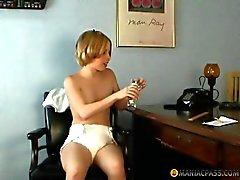 Kendi kendinize yapabileceğiniz spanking ve kapalı kedi oyun