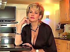 Unfaithful britische Milf Dame sonia herausspringt ihre überdimensionalen br