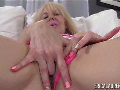 Ericas Laurens rosa färg underbyxor samt leksak