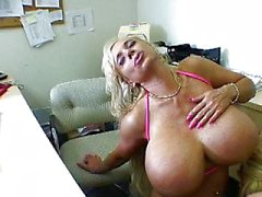 Big titted suceuses blond en fonction