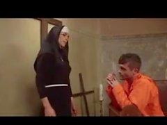 Rahibe bir sürprizle