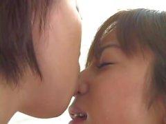 Экстремальное Asian к Лицам Нетрадиционной целование языке а облизывание