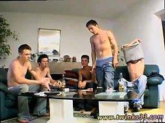 Jovem twinks gay bronzeado porra e músculo mexicano Dicks O
